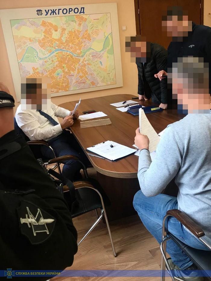 Мошенничество чиновника и арест: СБУ прокомментировали обыски в горсовете Ужгорода