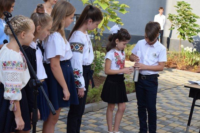 Перші дзвоники у школах столиці Закарпаття — якими вони були