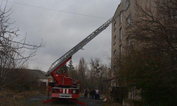 В Ужгороде загорелся номер в гостинице по ул. Собранецкой