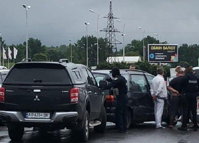 В Мукачево наркоторговцы устроили перестрелку