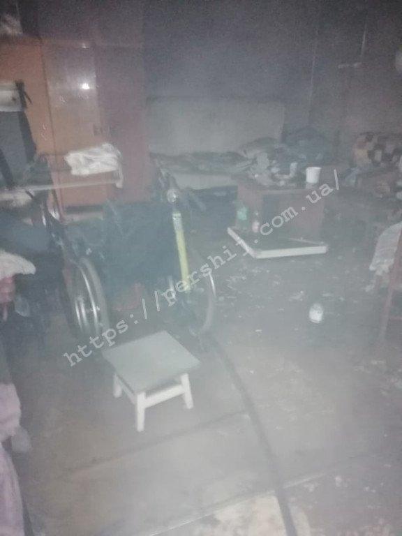 С огненной ловушки в Мукачево соседи спасли мужчину