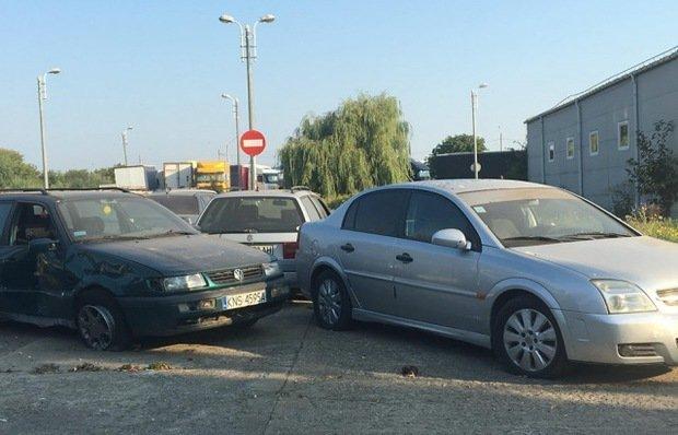 В Ужгороде появилось свое кладбище автомобилей на еврономерах