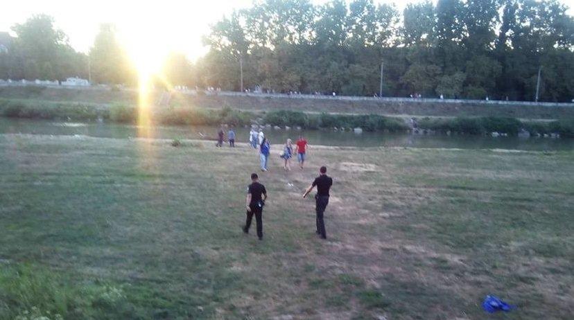 Чоловік після зловживання спиртного втопився в Латориці у центрі Мукачева