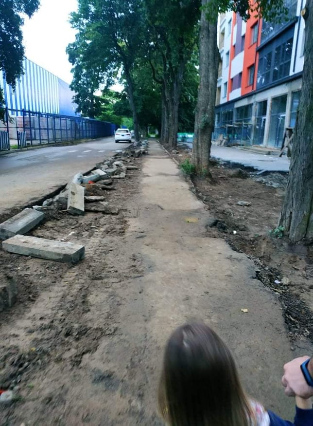 """Влада Ужгорода """"кришує"""" скандальне будівництво біля """"Епіцентру"""" на вулиці Миколи Боб'яка"""