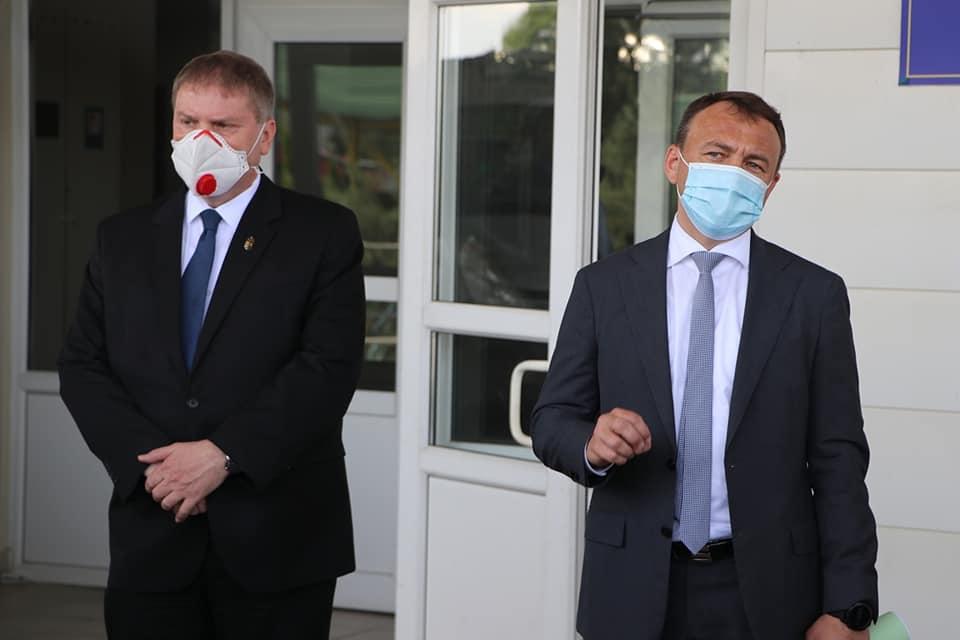 Венгрия помогла вакцинами больным детям Закарпатья