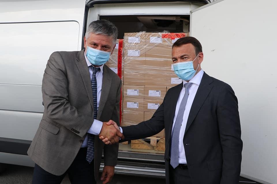 Дітям Закарпаття сусідка-Угорщина допомогла вакциною проти кашлюку, дифтерії, правця, поліомієліту та гемофілії