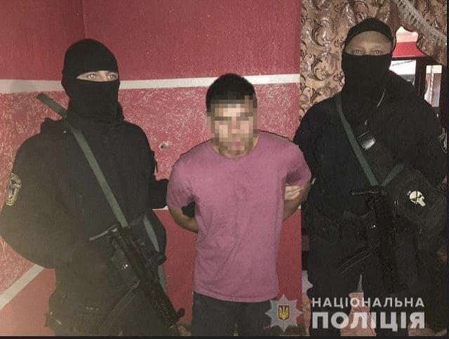 Житель Закарпатья во время обыска стрелял в полицейского