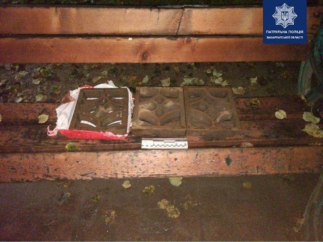 """В областном центре Закарпатья воров """"одолживших"""" ливневые решетки нашли быстро"""