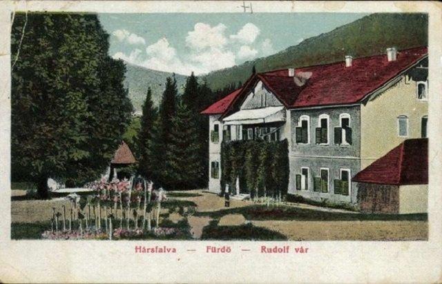 Купальни и дворец Рудольфа в селе Нелипино вблизи Свалявы, начало XX века.