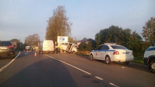 Микроавтобус из Закарпатья попал в смертельное ДТП в России