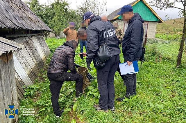 Во Львовской области нашли тайник с арсеналом боевых запасов