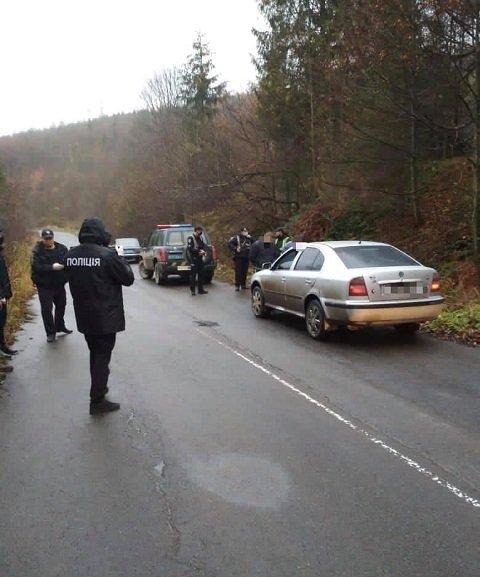В Закарпатье двоим жителям Ужгорода, совершившим разбойное нападение на трассе, грозит срок до 10 лет