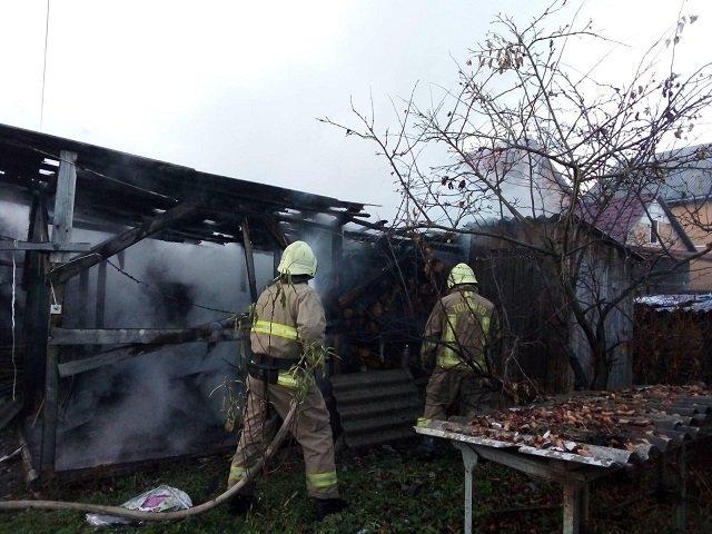 В Закарпатье пожарные спасли жилой дом от огня