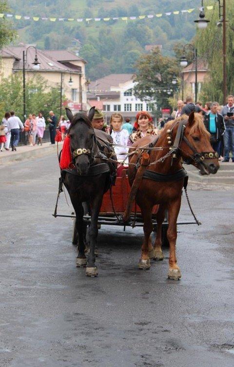 В Рахове начался ХІX фестиваль-ярмарка «Гуцульская брындзя»