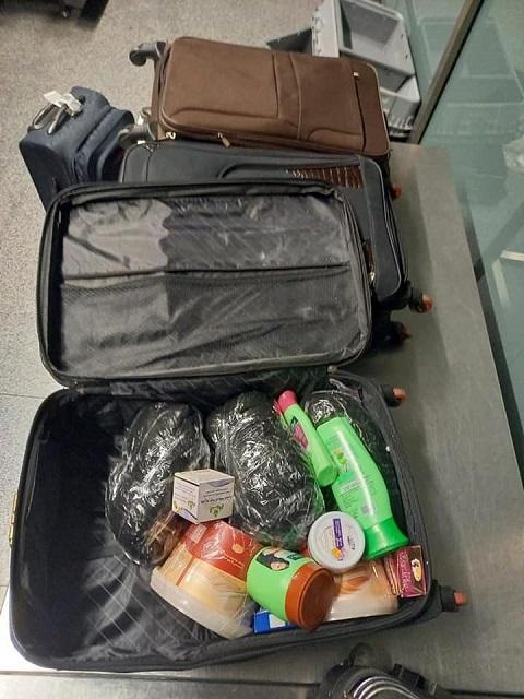 В аэропорту Борисполь взяли женскую бригаду наркокурьерш с полными чемоданами прекурсора