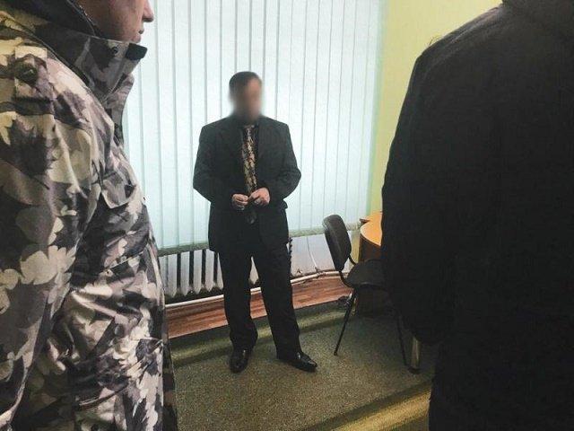 """Разоблачен на """"горячем"""": В Закарпатье судье-коррупционеру грозит до 10 лет"""
