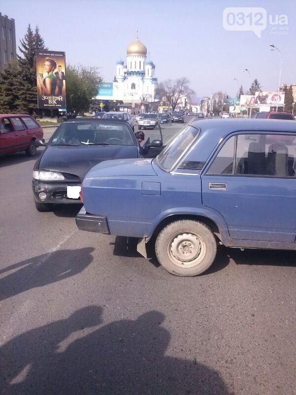 Водитель автомобиля ВАЗ не пострадал