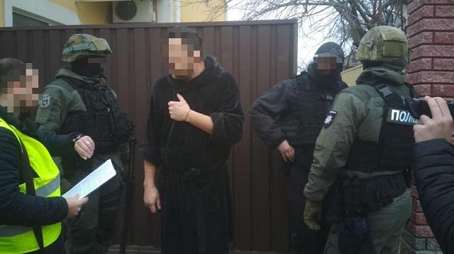 Масштабная схема: В Украине накрыли ОПГ похищавшую авто со штрафплощадок