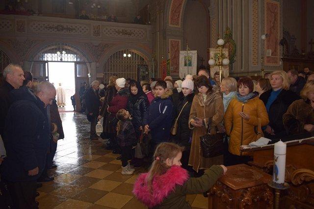 Вифлеемский Огонь Мира привезли в Ужгород