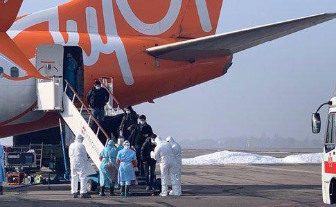 В Украину прибыли украинцы из зараженного коронавирусом Уханя