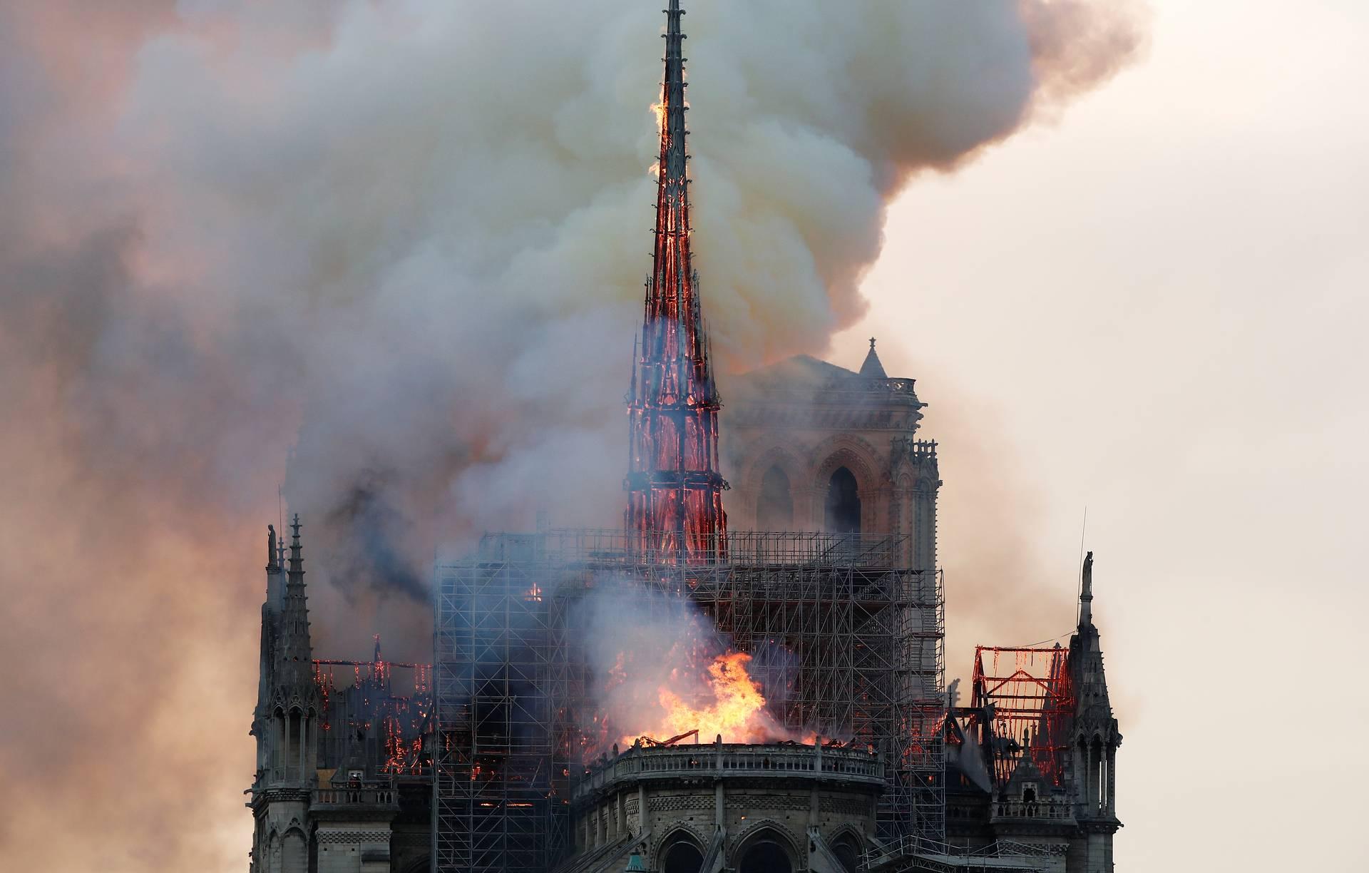 Нотр-Дам де Пари, Собор Парижской Богоматери, пожар