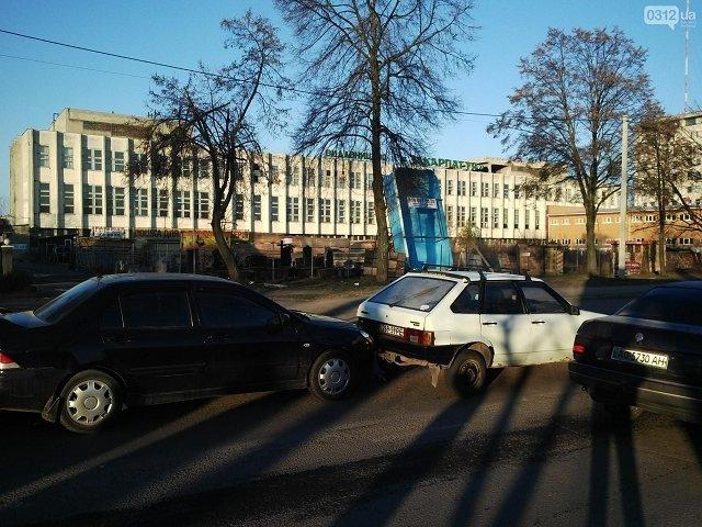 В Ужгороде произошло ДТП с участием 4-х автомобилей