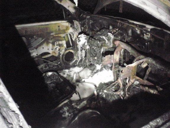 В Ужгороде полностью сгорел автомобиль чиновницы горсовета