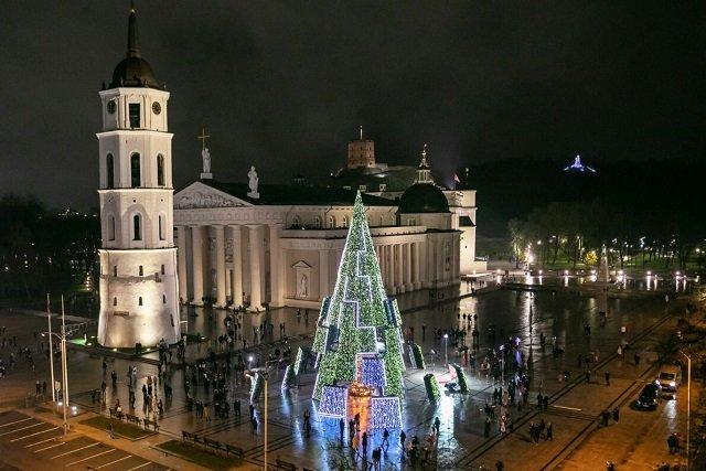 ТОП самых красивых рождественских елок в Европе - №1