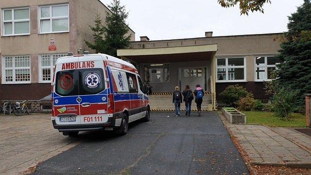 В Польше школьница напала с ножом на учениц, три человека ранены