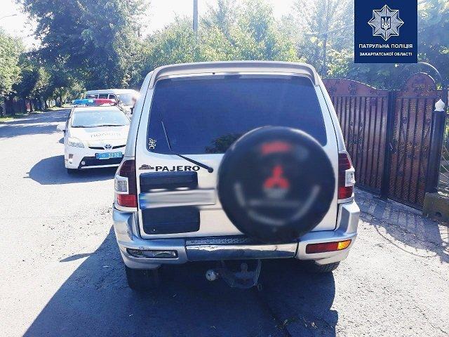 В областном центре Закарпатья из-за ремня безопасности водитель Mitsubishi влетел по-крупному