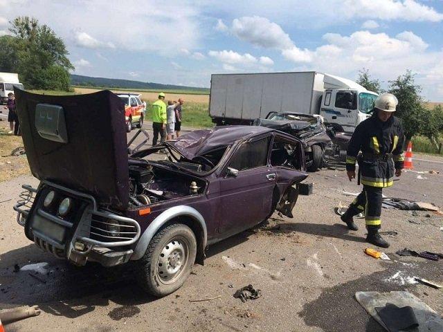 В ужасной аварии на трассе Киев-Чоп погибла 16-летняя девушка: Стали известны подробности ДТП