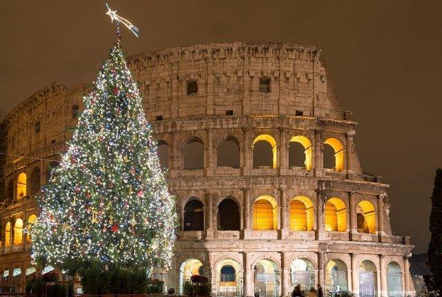 ТОП самых красивых рождественских елок в Европе - №8