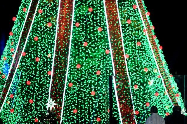 Главная елка США - Национальная рождественская ель в Вашингтоне.