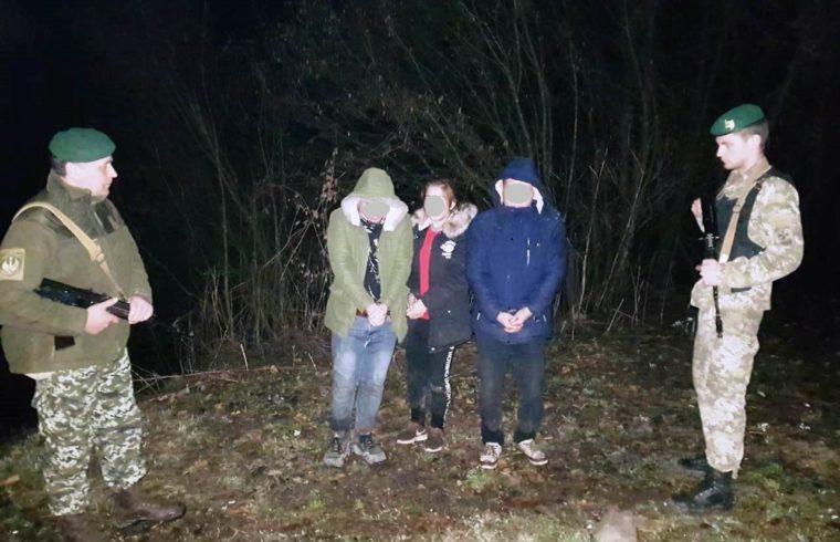 Недалеко от Ужгорода трем вьетнамцам-нелегалам остановили путь в Словакию