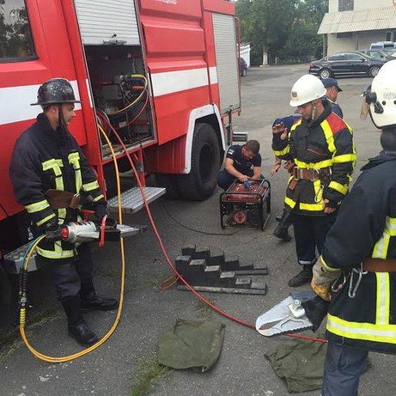 Хустские спасатели получили современное оборудование