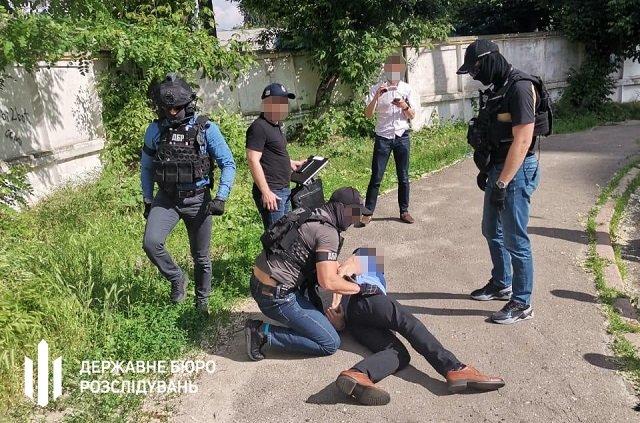 В Києві чиновник Укртрансбезпеки організував корупційний бізнес на перевізниках