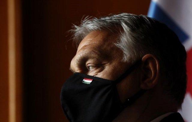 Віктор Орбан під час прибуття на саміт Вишеградської четвірки в Ледніце. Чеська республіка, 11 червня 2020 року