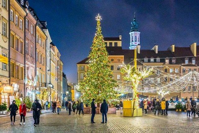 ТОП самых красивых рождественских елок в Европе - №9