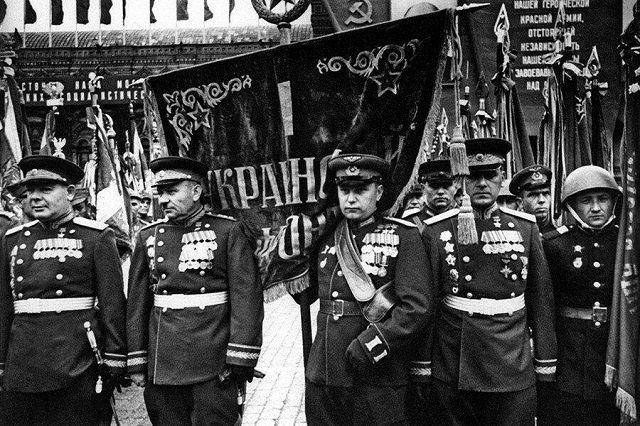 75 лет назад в этот день сводные полки Украинских фронтов участвовали в ПАРАДЕ ПОБЕДЫ в ВОВ!