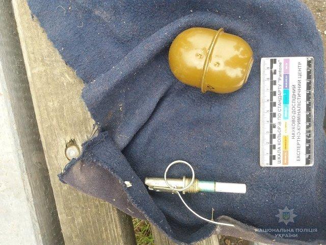 В Мукачево задержали местного жителя при продаже гранаты