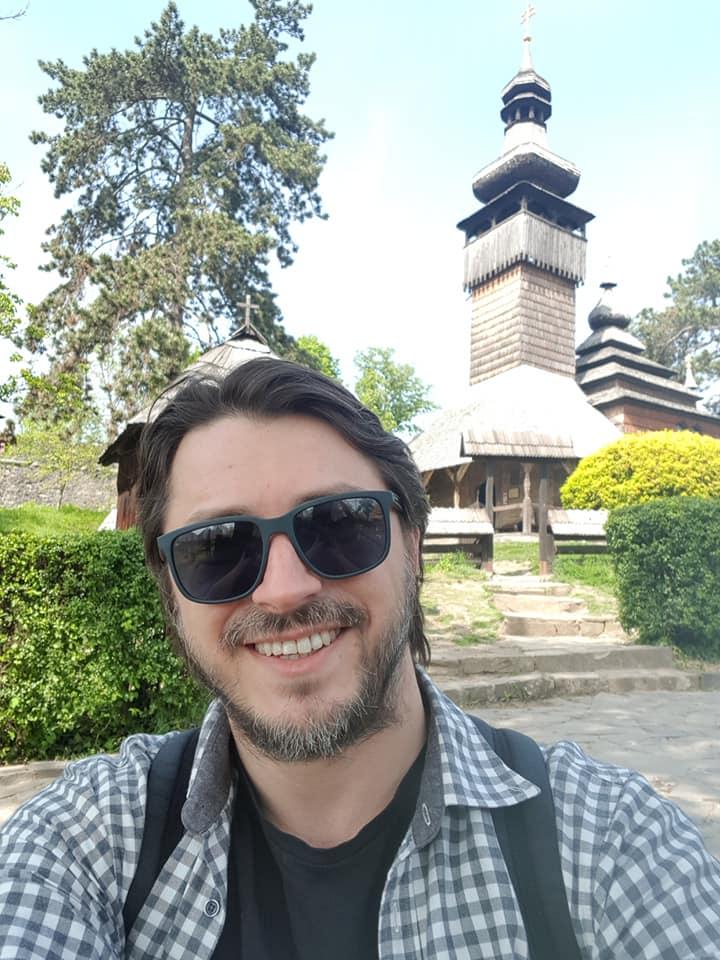 Сергей Притула впервые увидел цветение сакуры в Закарпатье
