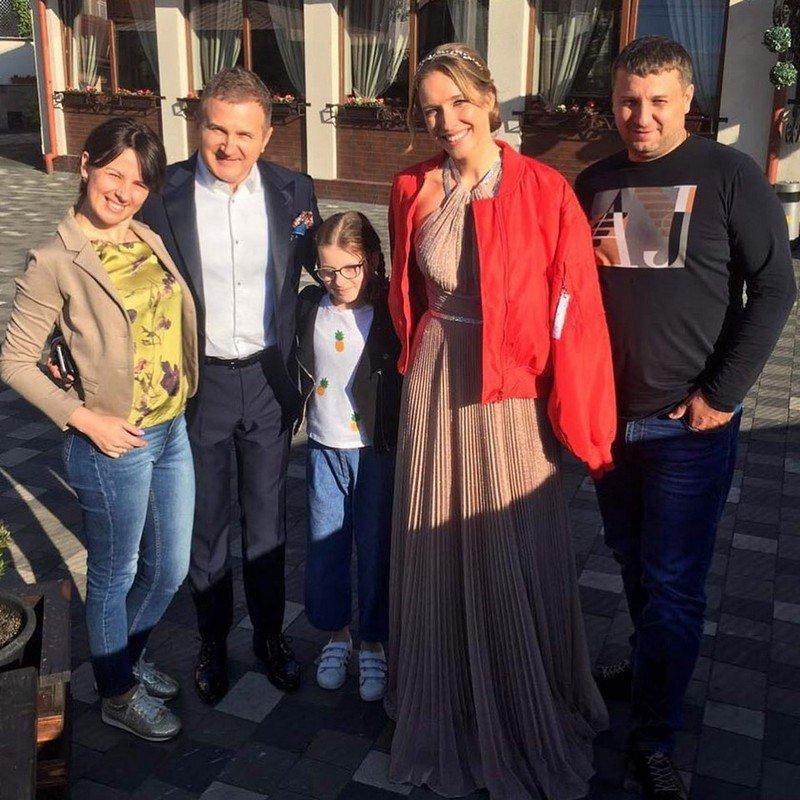 """В Закарпатье депутат пригласил на свадьбу Потапа и """"Mozgi"""""""