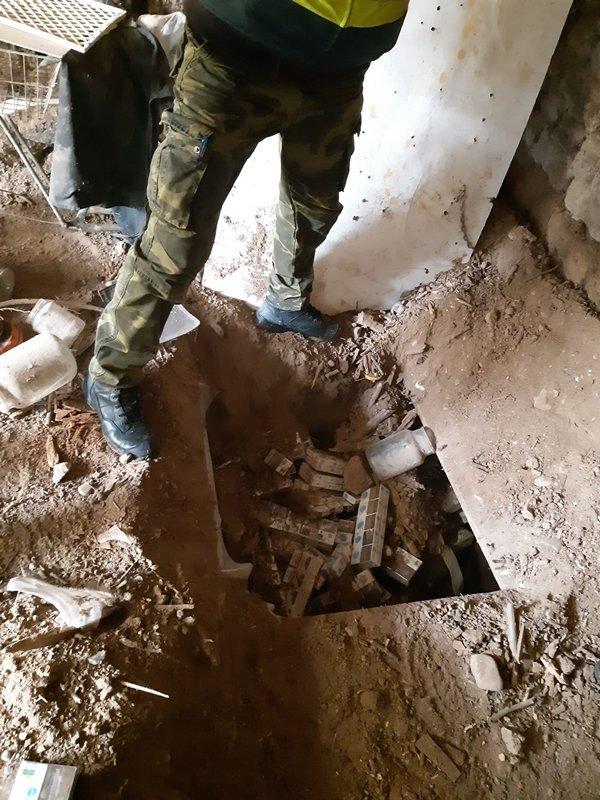 Венгерские полицейские обнаружили подземную контрабанду (