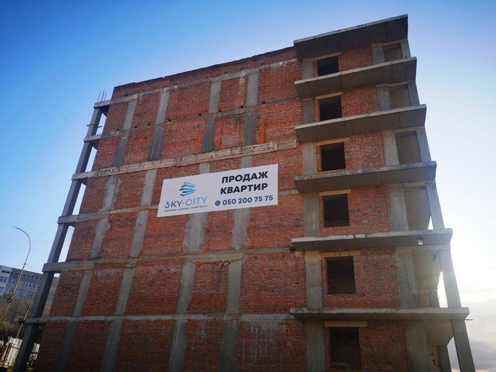 Такого еще не было: Что уже столько лет строят на БАМе в Ужгороде