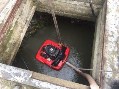 Как в Закарпатье выкачивали сотни литров воды