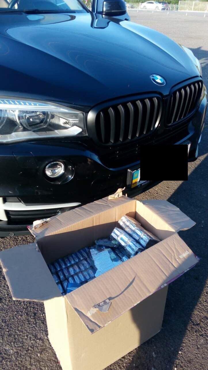 Українець втратив коштовне авто через невдалу спробу тютюнової контрабанди