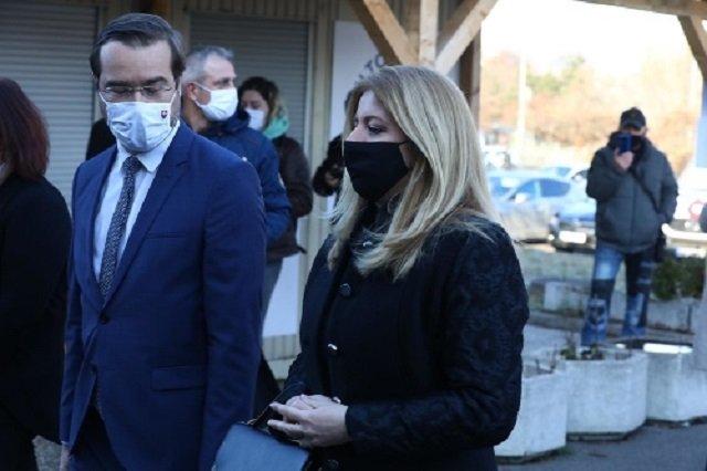 В Словакии президент Чапутова и члены правительства уже получили вакцину