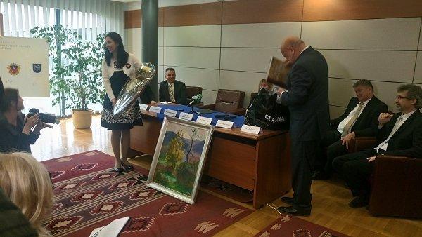 Москаль сделал подарок кафедре украинского языка и культуры в Венгрии