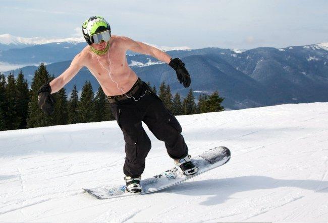 Именно в таком виде решили закрыть лыжный сезон в Карпатах