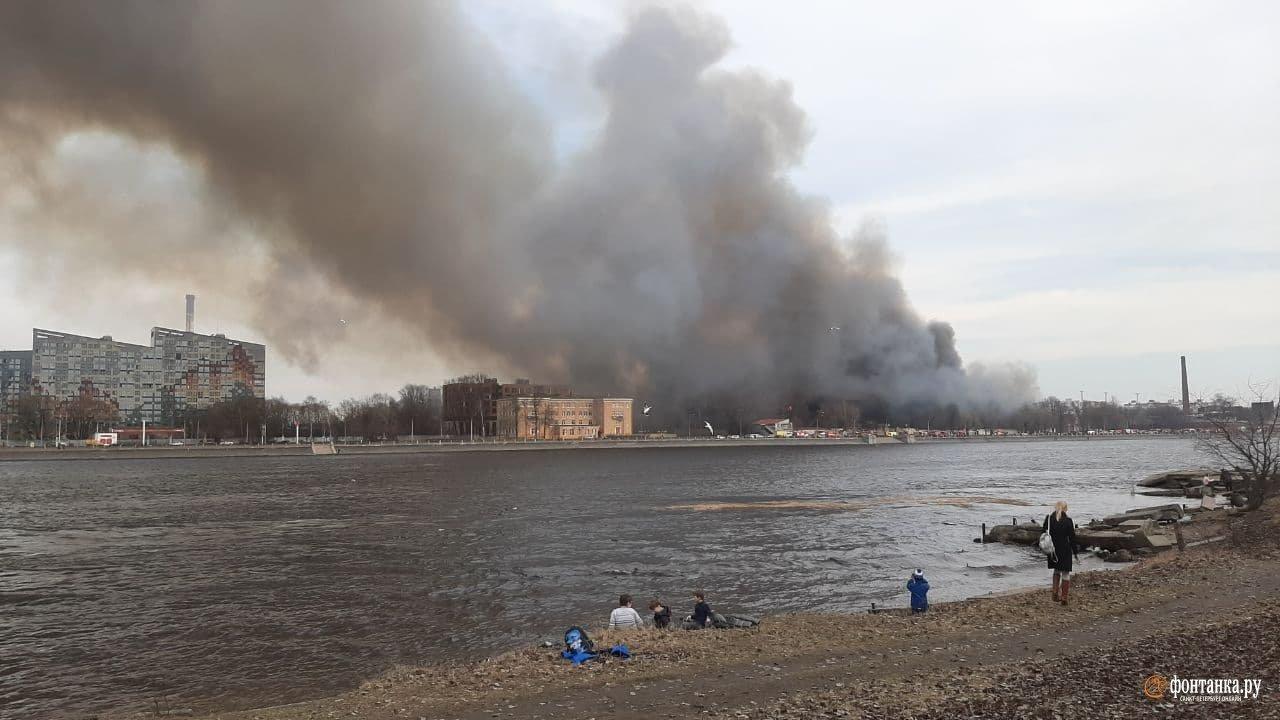 В России эпический по масштабам пожар: Спасатели погибают один за другим